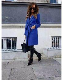 Елегантно дамско палто с колан в синьо - код 7940