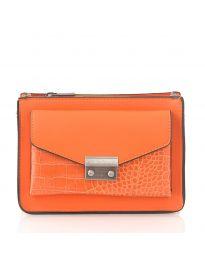 Дамска чанта в оранжево с цип и голям преден джоб - код D8506
