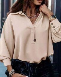 Свободна елегантна дамска риза с дълъг ръкав в бежово - код 2753