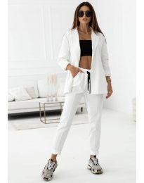 Спортно-елегантен дамски комплект сако и панталон в бяло - код 1661