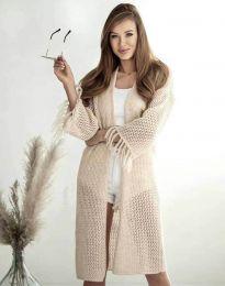 Ефектна дълга плетена дамска жилетка в бежово - код 4539