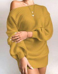 Дълга дамска туника от плетиво с паднало рамо в цвят горчица - код 7962